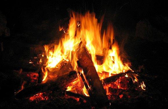 C mo mantener el fuego en chimenea blog energy biomasa - Cocina de fuego ...
